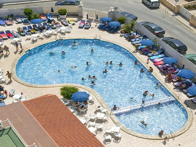 piscina-cabana-benidorm-hotel mica.jpg