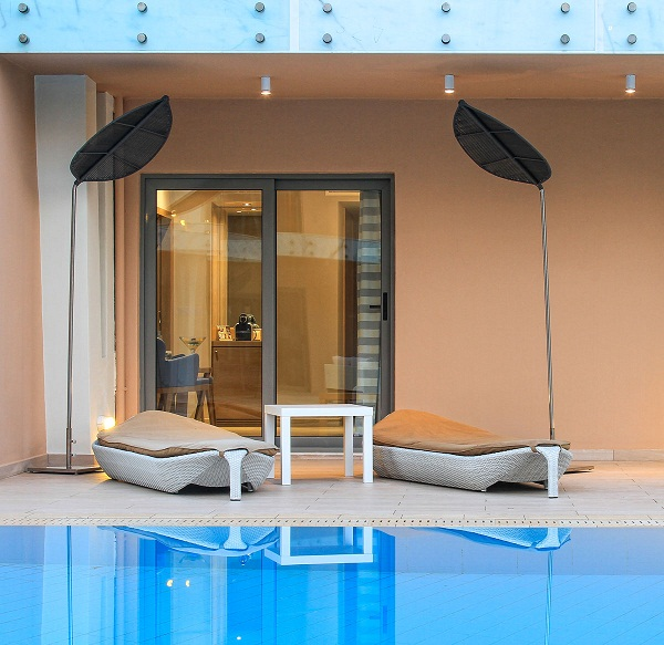 room pool 1a.jpg