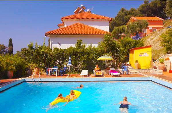Bacoli Studios, Parga, exterior, piscina, vila.jpg