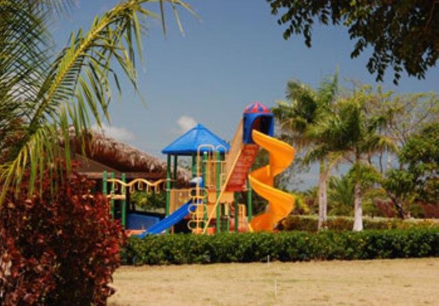 Punta Cana, Hotel Grand Sirenis, loc de joaca.jpg