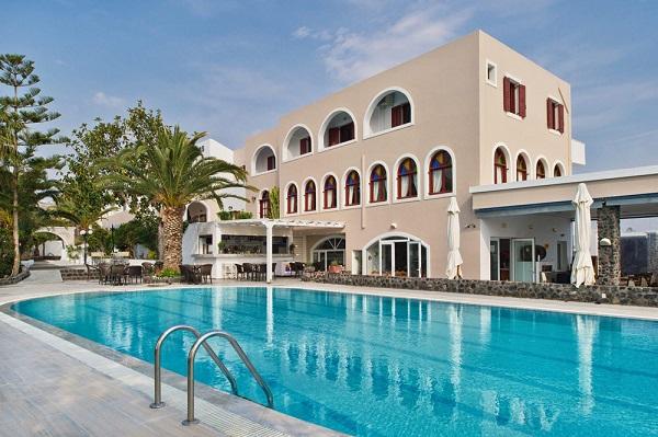 Santorini, Makarios Beach, exterior, piscina, hotel.jpg