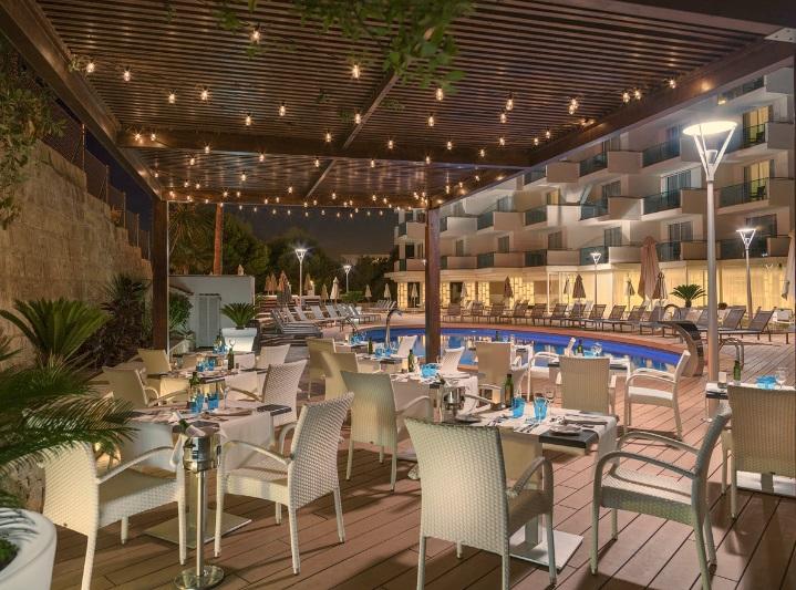 Mallorca_Hotel_H10_Boutique_Blue_Mar_Mallorca_bar.jpg