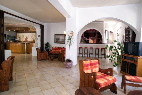 Lobby Hotel Zephyros.jpg