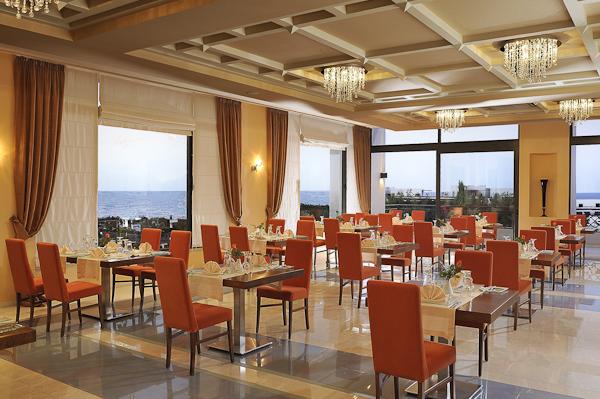 Creta, Hotel Grand Holiday Resort, restaurant.jpg