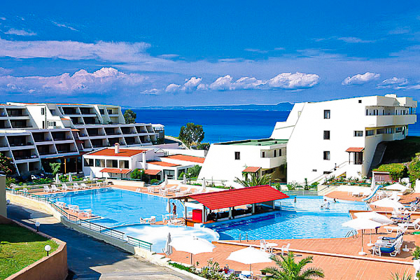 Halkidiki, Hotel Theoxenia, piscina, bar.jpg