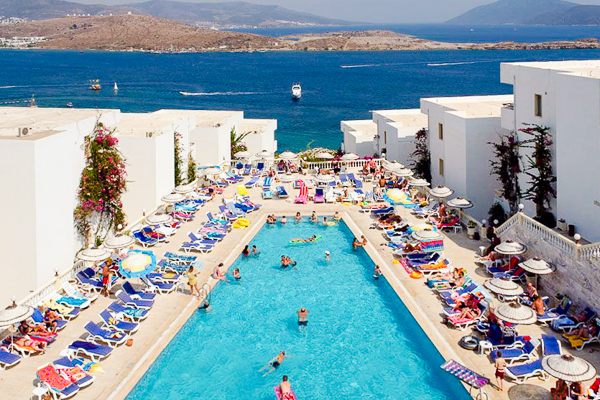 Bodrum, Hotel Gumbet Beach Peda, piscina exterioara, mare.jpg