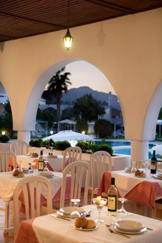 Hotel Niriides Beach  restaurant.jpg