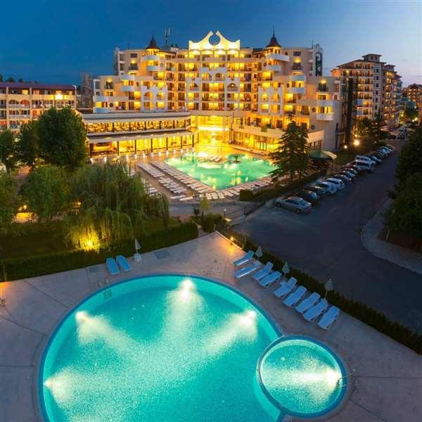 piscina hotel imperial.jpg