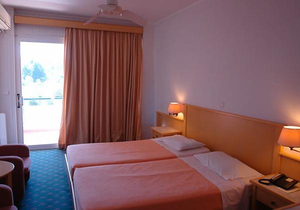 Corfu, Hotel Elea Beach, camera dubla.jpg