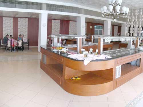 Hotel Dahlia Garden restaurant.jpg