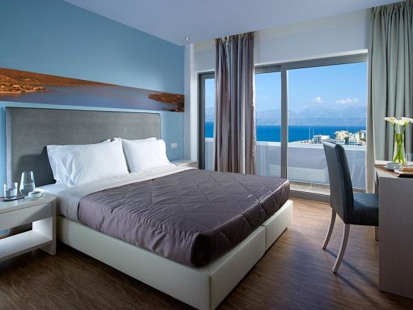 Creta, Hotel Mistral Bay, camera, pat dublu, birou, balcon.jpeg