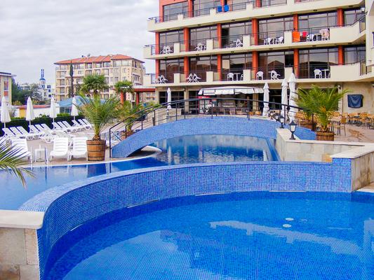 Sunny Beach, Hotel Nobel, piscina exterioara.jpg
