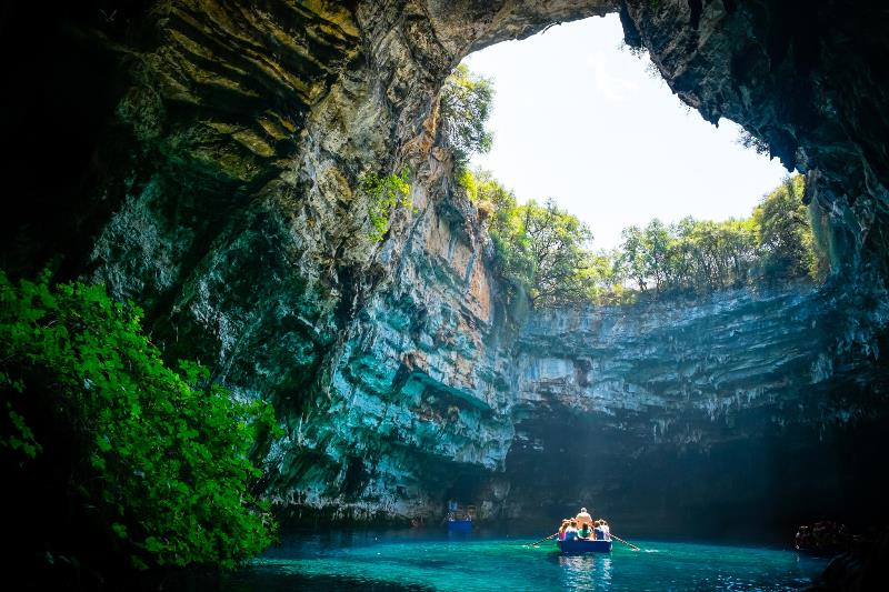 Melissani.Cave.original.964.jpg