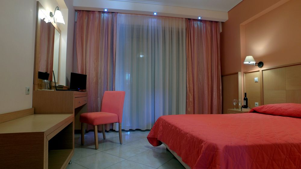 Evia Hotel - rooms2.JPG