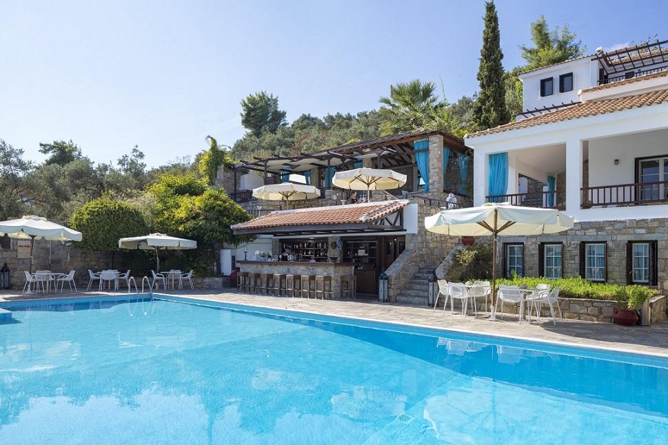 aegean suites piscina MICA.jpg