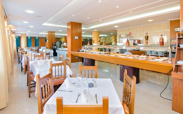 Costa del Sol, Hotel Villasol, restaurant.jpg