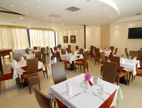 astir.restaurant2.jpg