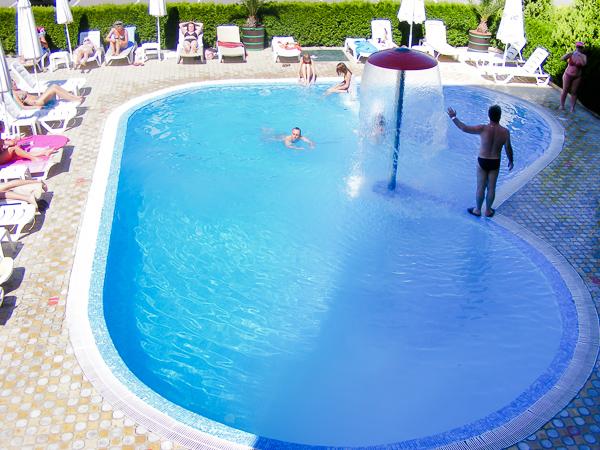 Sunny Beach, Hotel Aktinia, piscina exterioara.jpg