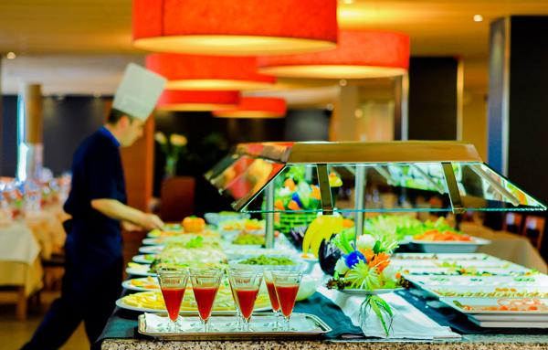 Costa Brava, Aqua Hotel Aquamarina, bufet.jpg