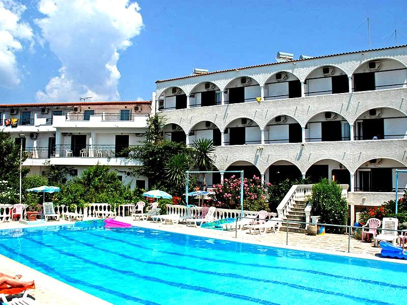 Corfu, Hotel Gouvia, exterior, piscina.jpg