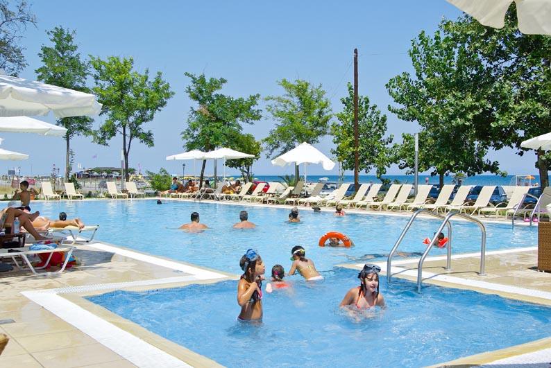 Giannoulis piscina.jpg