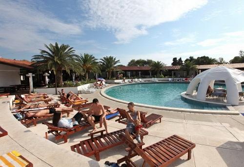 Hotel Slovenska Plaza piscina.jpg