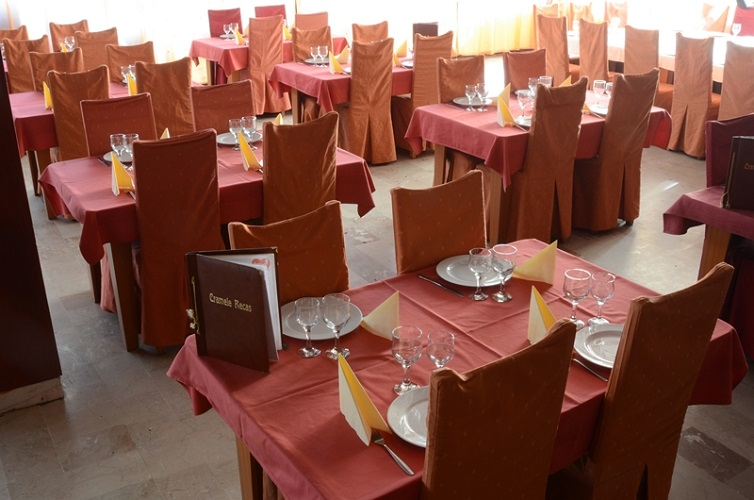 restaurant-hotel-parc-buzias-2.jpg