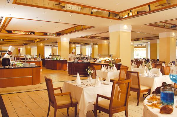 Corfu, Hotel Louis Kerkyra Golf, restaurant.jpg