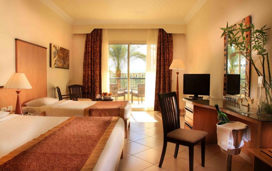 Sharm el Sheikh, Hotel Xperience Kiroseiz, camera, paturi, TV.jpg