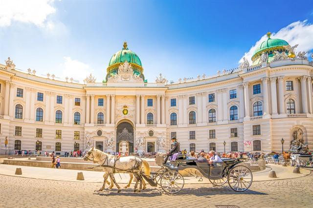 Alte Hofburg, Vienna, Austria,_640x426.jpg