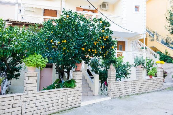 Dimitrakis, Parga, exterior, vila, intrare.jpg