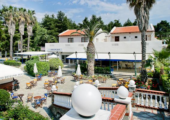 Halkidiki, Hotel Macedonian Sun, exterior, terasa.jpg