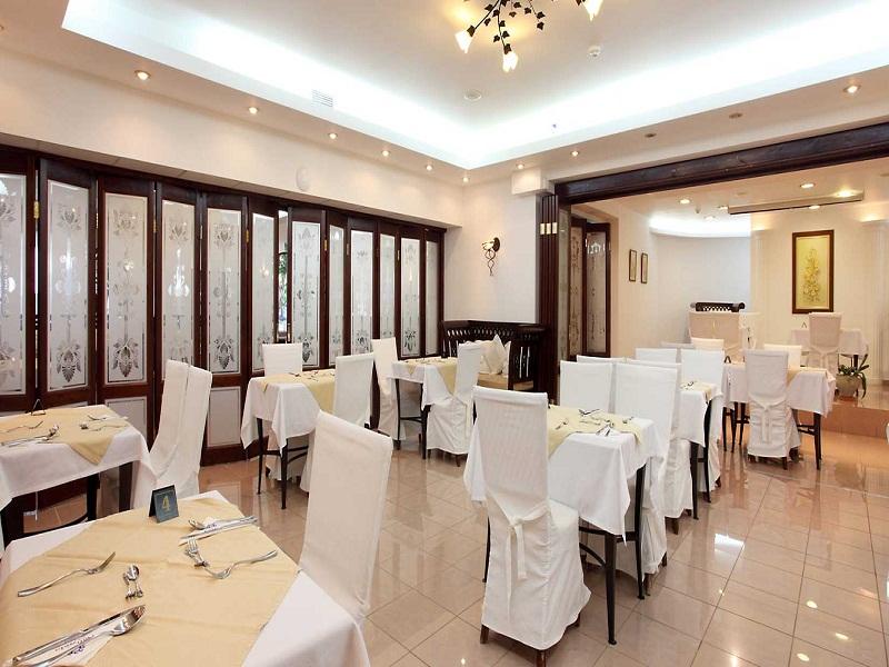 almyrida-Beach-Restaurant.jpg