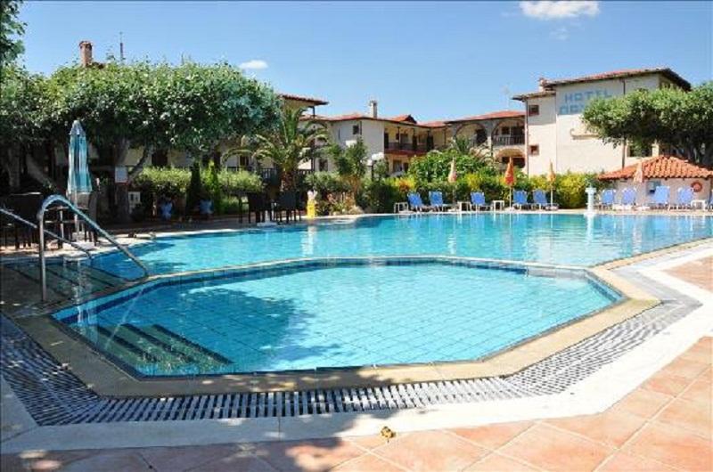 hotel-pontos-pool.jpg