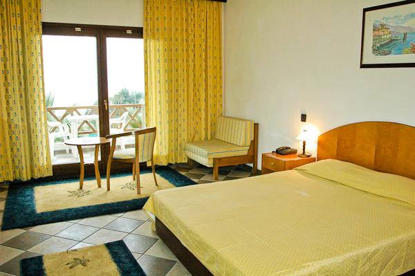 Halkidiki, Hotel Aristoteles Holiday Resort, camera dubla.jpg