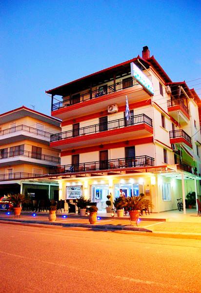 Nei Pori, Hotel Manolas, exterior, hotel.jpg