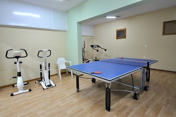 Thassos, Hotel Pegassus, sala de fitness, ping pong.jpg