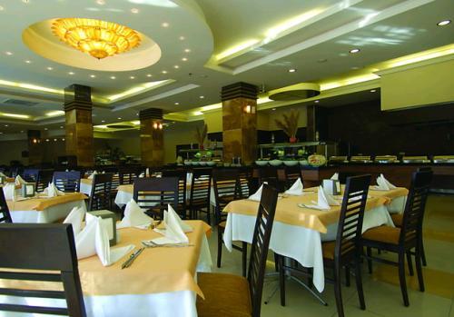 Hotel Alaiye Resort & Spa restaurant.JPG
