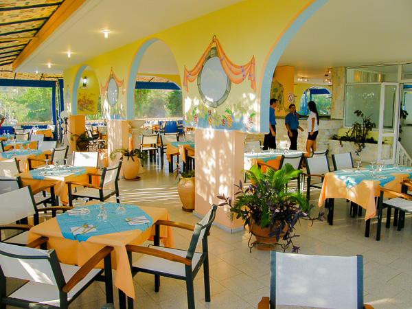 Rodos, Hotel Pefkos Garden, restaurant.jpg