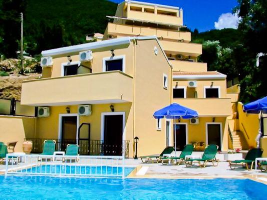 Corfu, Hotel Secret Corfu, piscina exterioara.jpg