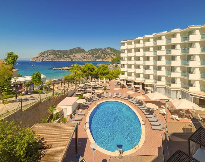 Mallorca_Hotel_H10_Boutique_Blue_Mar_Mallorca_panorama_piscina.jpg