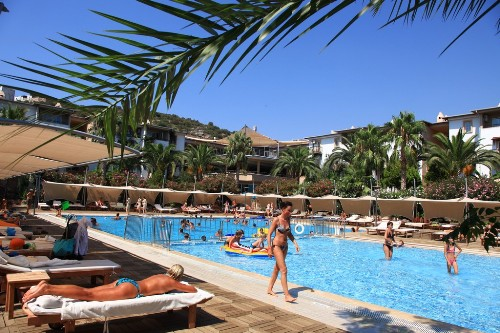 Hotel Ersan  Resort & Spa piscina.jpg