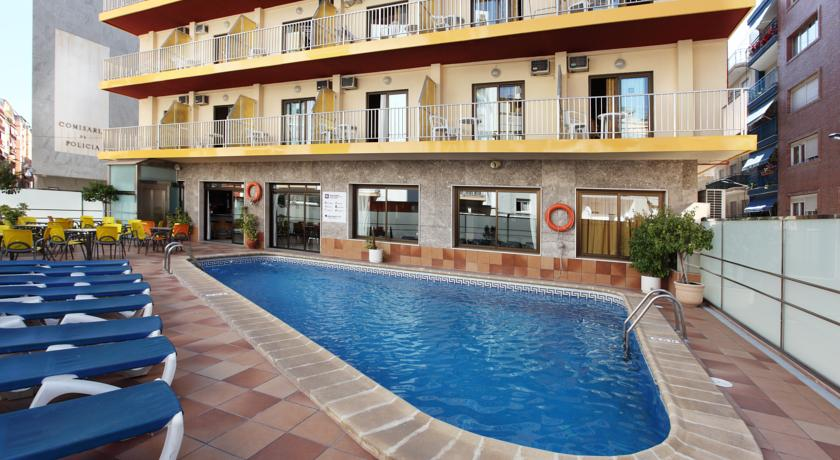 piscina-hotel-brasil-benidorm.jpg