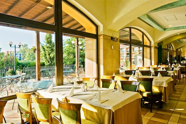 Sunny beach, Hotel Hrizantema, restaurant.jpg