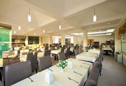Hotel Akbulut poza restaurant.jpg