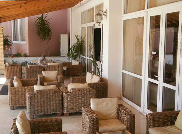 Corfu, Hotel Elea Beach, terasa.jpg