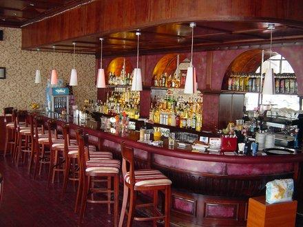 bar royal central.jpg