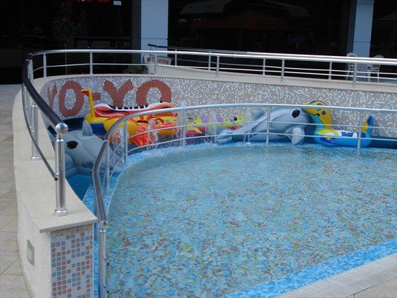 piscina hotel flamingo.jpg