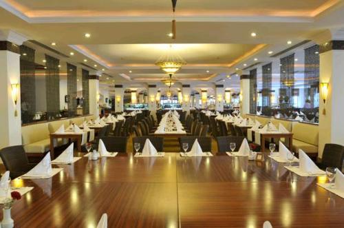 Hotel Akka Antedon restaurant.JPG