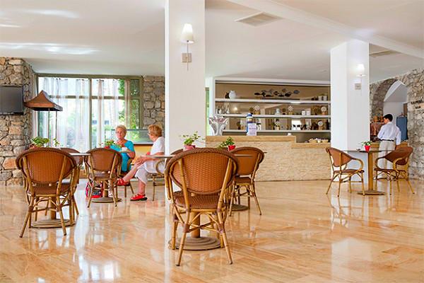 Marmaris, Hotel Marti la Perla, interior, lobby bar.jpg